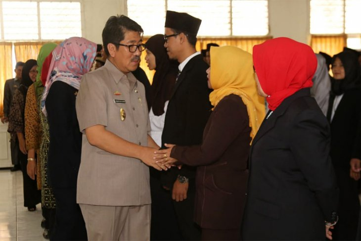 Pj. Sekdaprov Lampung Hamartoni Melantik 40 Pejabat Fungsional