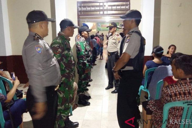 Misa menjelang natal di Gereja Pantekosta desa Labuhan dijaga ketat TNI-POLRI