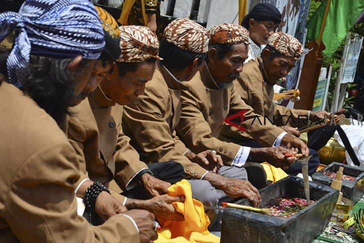 Jamasan tradisi budaya galuh