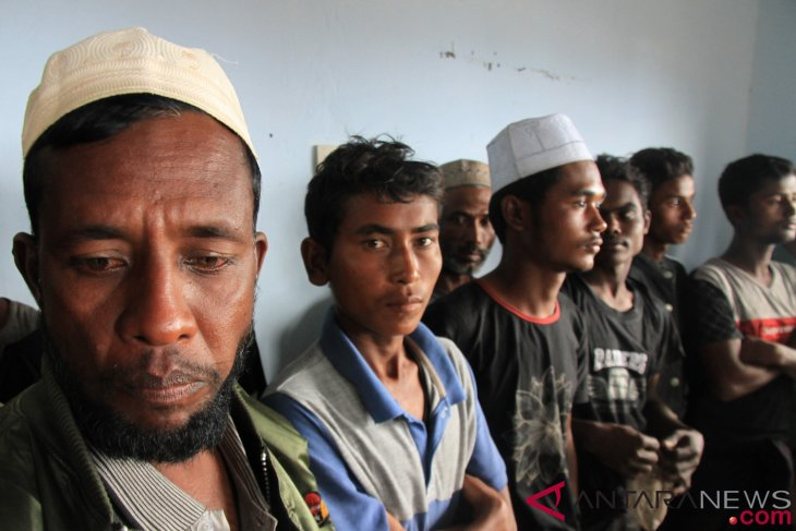 Rohingya immigrants still accommodated at Langsa immigration office