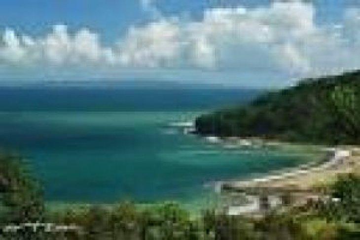 Catatan Akhir Tahun: Pariwisata Banten Terancam