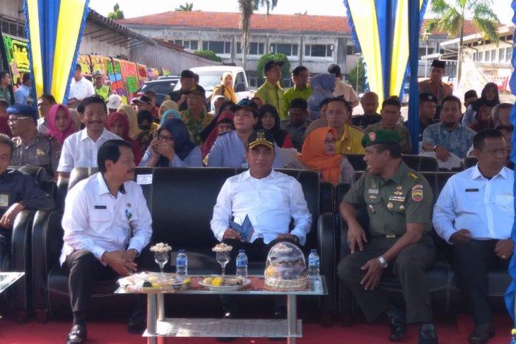 Sekda Langkat berikan bantuan untuk kelompok nelayan