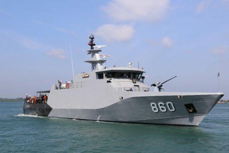 TNI AL kirim kapal perang dan prajurit ke lokasi tsunami