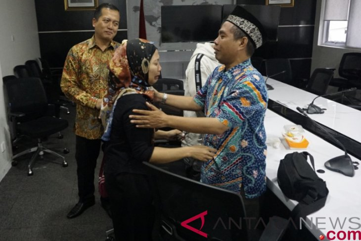 Two Indonesians who escaped Malaysian death penalty return to families