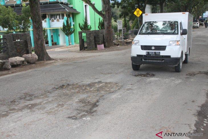 Masyarakat minta pemerintah perbaiki jalan rusak di Madina