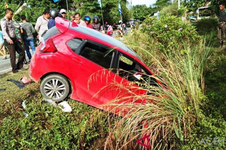 Honda Jazz tabrak tiga pemotor, dua meninggal di Nagan