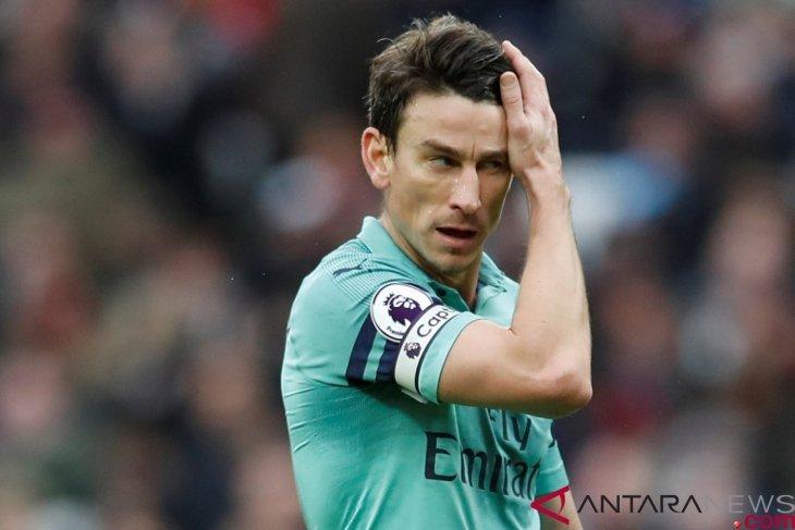 Kapten Arsenal Laurent Koscielny tolak ikut tur pramusim