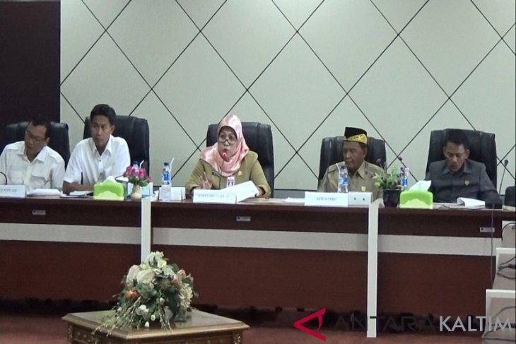 Pemda Paser Fasilitasi Pertemuan Petani Sawit dengan PTPN XIII
