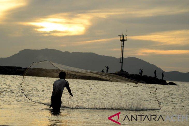 BMKG minta masyarakat Barat Selatan Aceh waspada gelombang pasang