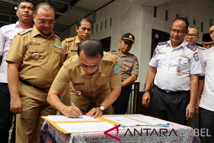 Pemkab Bangka terima bus sekolah CSR swasta