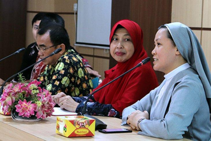 Delapan mahasiswa ASEAN ikuti program mengajar di Jambi