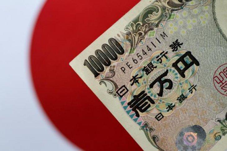 Dolar di kisaran paruh tengah 108 yen
