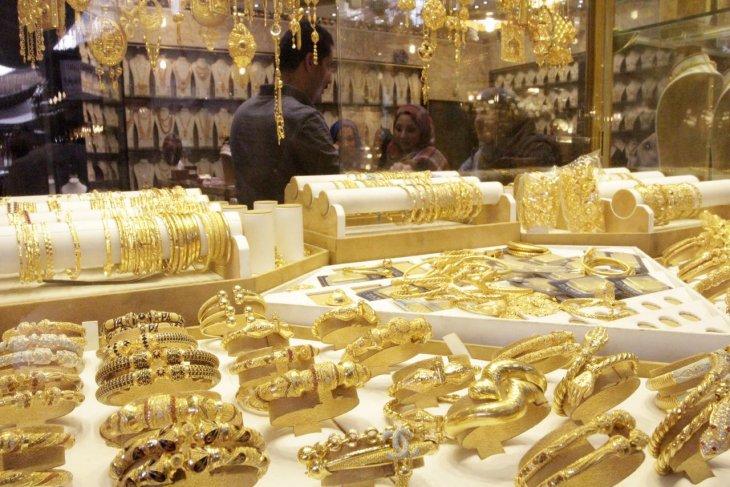 Harga emas berjangka naik didorong pembelian 'safe haven'