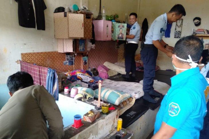 BNNK Sukabumi Geledah Kamar Penghuni Lapas Warungkiara
