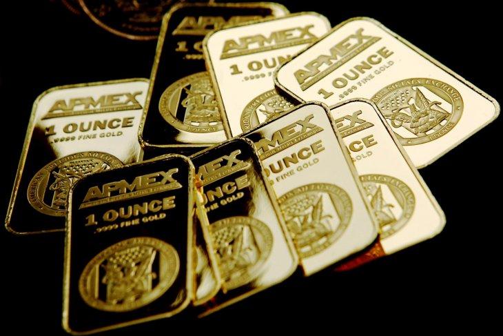 Emas jatuh tertekan penguatan kenaikan ekuitas AS