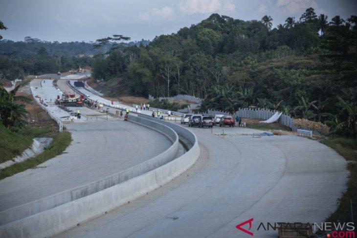 Jalan Tol Pontianak-Singkawang berdampak pada kemajuan daerah
