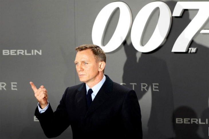 Craig ragu fisiknya masih kuat jadi James Bond