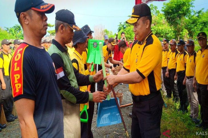 Polda Kalsel gelar upacara Hari Peduli Sampah Nasional di TPA Basirih