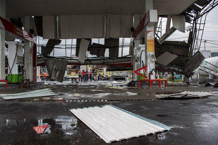 Bencana angin puting beliung di Sukabumi