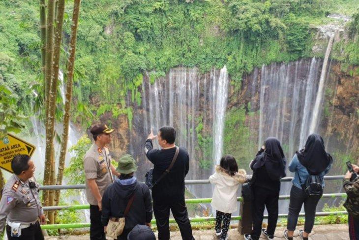 Kapolres Lumajang Amankan dan  Promosikan Wisata Air Terjun Tumpak Sewu