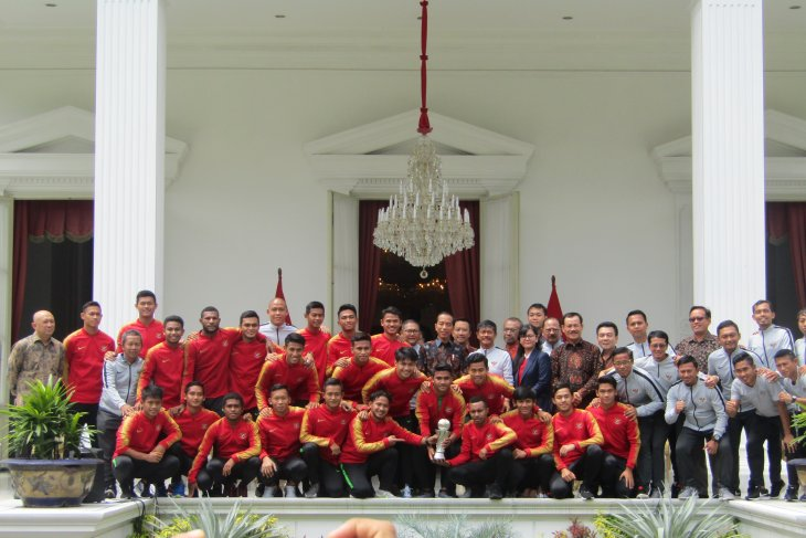 Jokowi urges young garuda squad to keep championship spirit alive