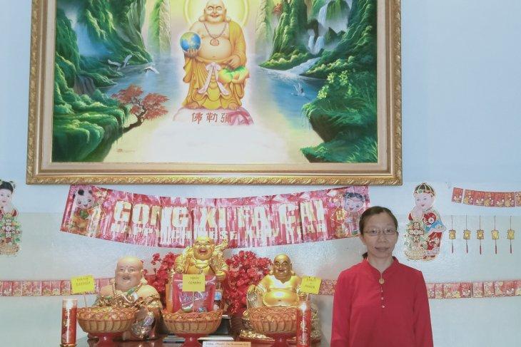 Warga Tionghoa rayakan Imlek di Vihara Maitreya Jambi