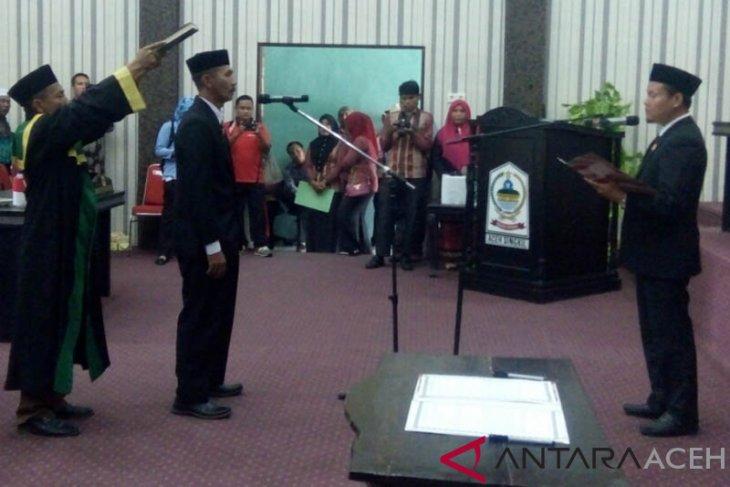 Ahmad Yani dilantik PAW DPRK Singkil