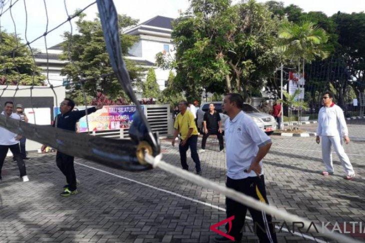 Tim Wagub Gulung Volly Putri Dinas PPTP