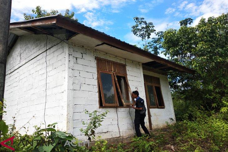 Rumah transmigrasi di Aceh Jaya terbengkalai