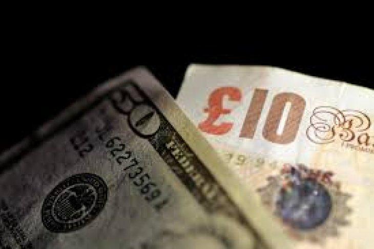 Dolar naik tipis dalam perdagangan pasca-liburan