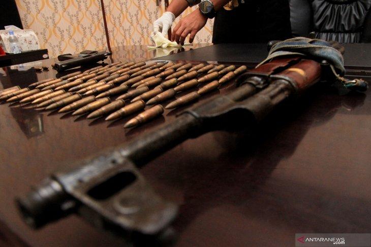 Terlibat pemerasan, empat kriminal bersenjata tewas setelah kontak tembak dengan polisi