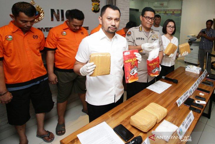 Jakarta police uncover Pekanbaru-Jakarta-Bandung drug ring