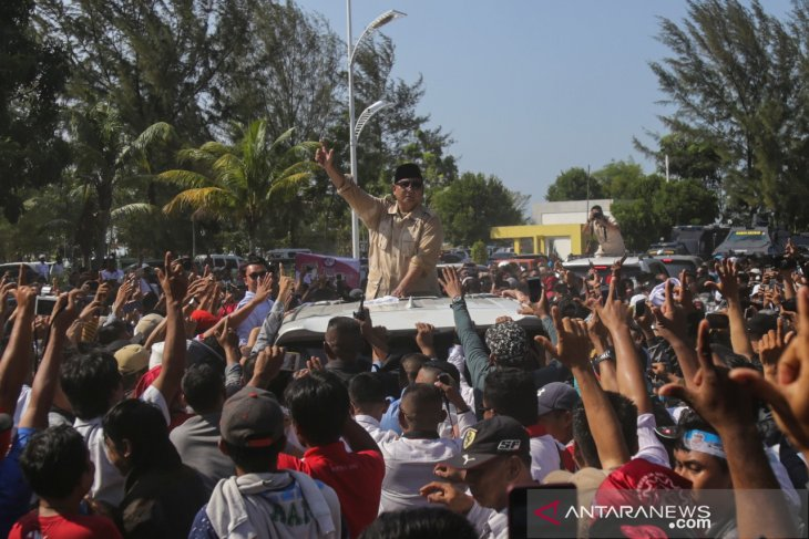 Prabowo urges loyalists to secure ballot booths on April 17