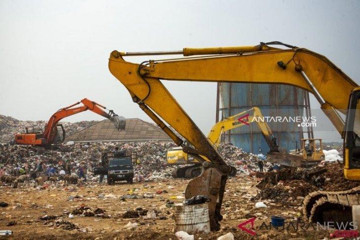 Karawang keluarkan Rp900 juta untuk sewa truk pengangkut sampah