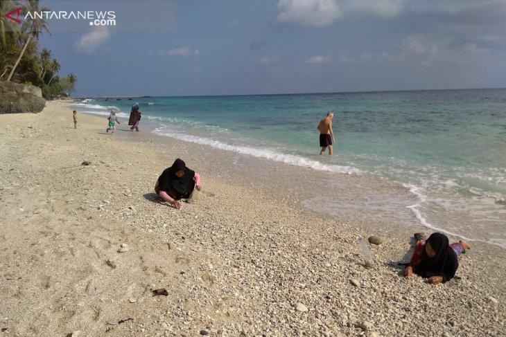Pulau wisata Sabang butuh sentuhan investor