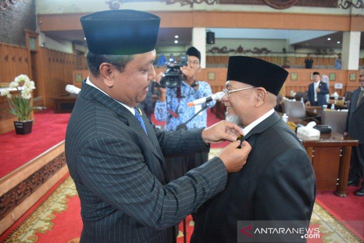 Ketua DPRD lantik dewan PAW