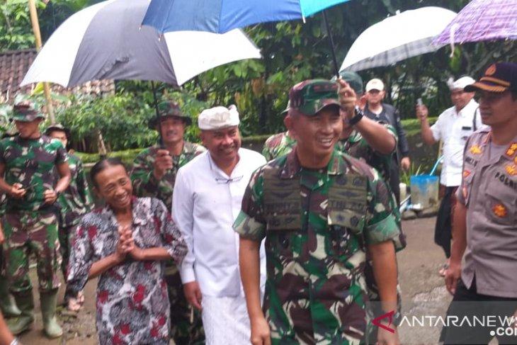 Pangdam Udayana-Bupati Bangli tinjau pembuatan akses jalan