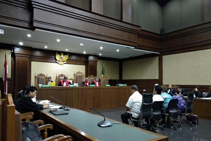 North Sumatra legislators granted 6,  4 years in prison in bribery case