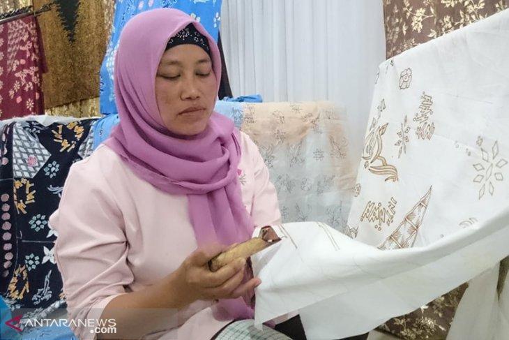 Perajin batik