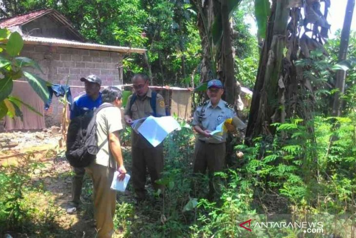 Petugas mulai lakukan pengukuran tanah tol Japek II di Bekasi