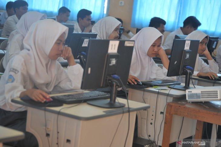Pemprov Gorontalo Sediakan 4.137 Komputer Untuk UNBK