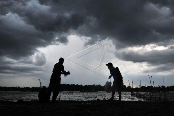 Jambi bagian barat masih potensial hujan sedang hingga lebat