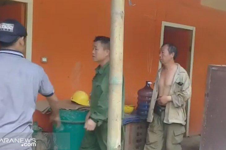 Kantor Imigrasi pastikan dua TKA Cina dideportasi
