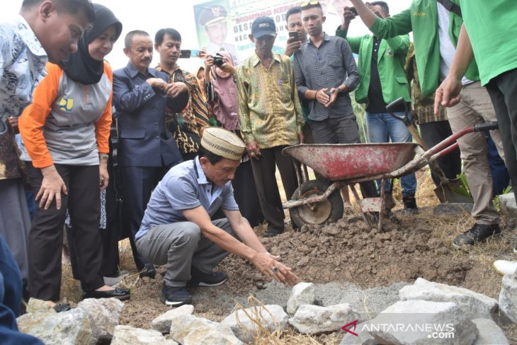 Pasar buah Monggo Kerso dibangun gunakan dana desa Rp398 juta