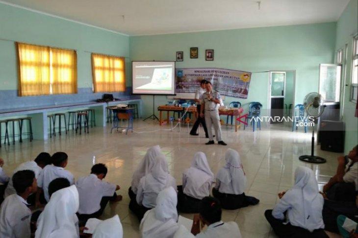 Jasa Raharja Maluku salurkan bantuan pendidikan