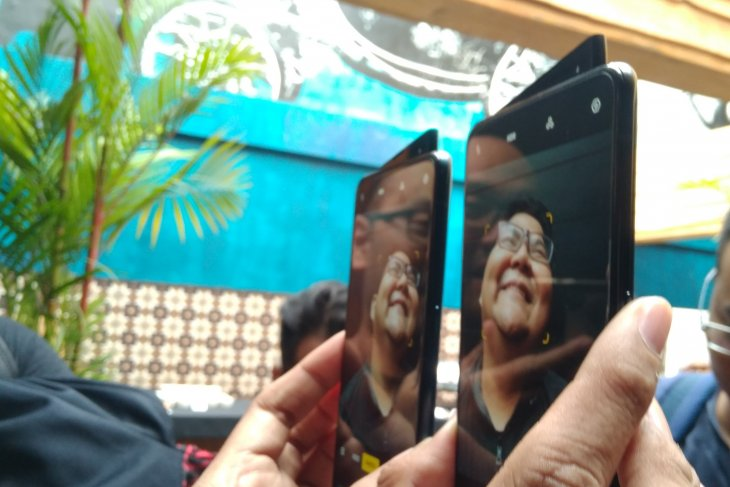 Ponsel seri Reno masuk Indonesia sebelum Juli
