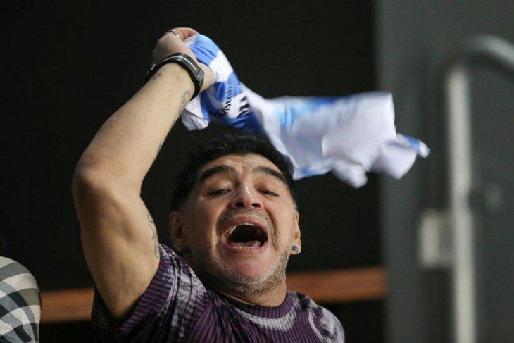 Cekcok dengan mantan pacar Maradona ditangkap di bandara