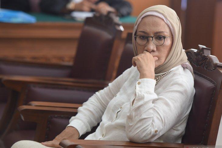 Ratna Sarumpaet dan dua tahanan KPK