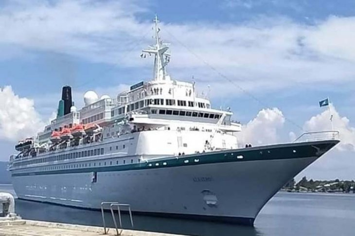 Kapal pesiar MS Albatros sandar di Sabang