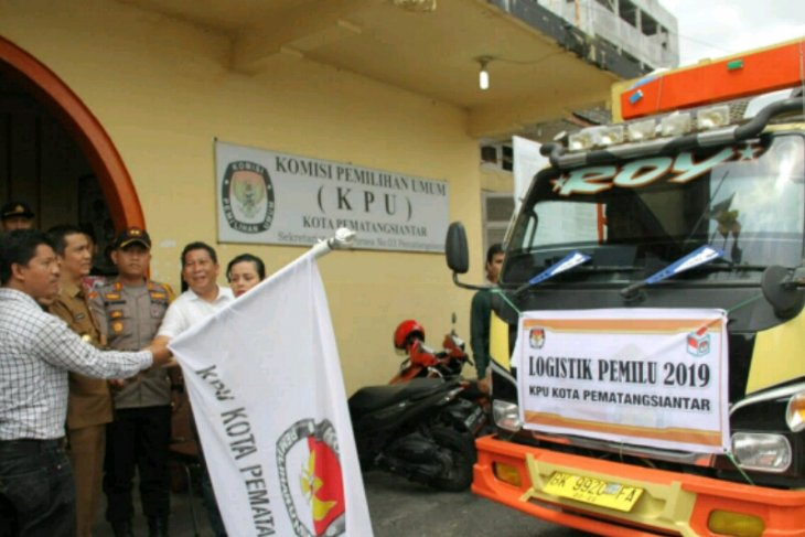 KPU Pematangsiantar distribusikan logistik ke kecamatan